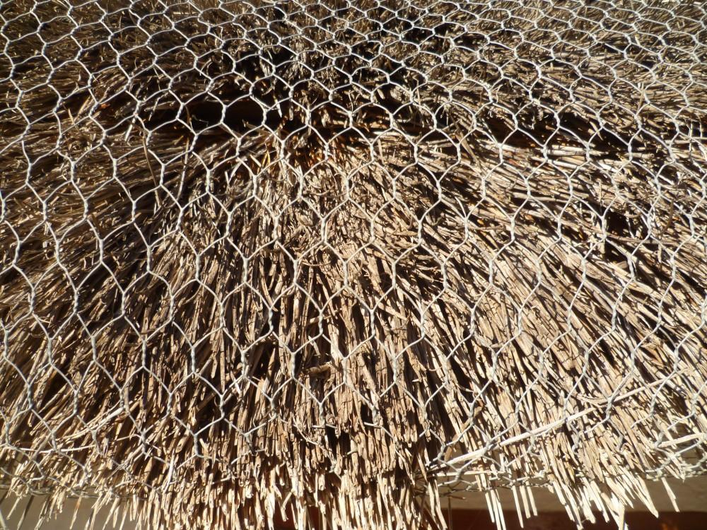 La barraca está feta de matèries naturals