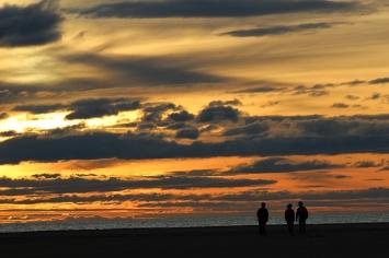 Passeig de matinada per la platja del Serrallo